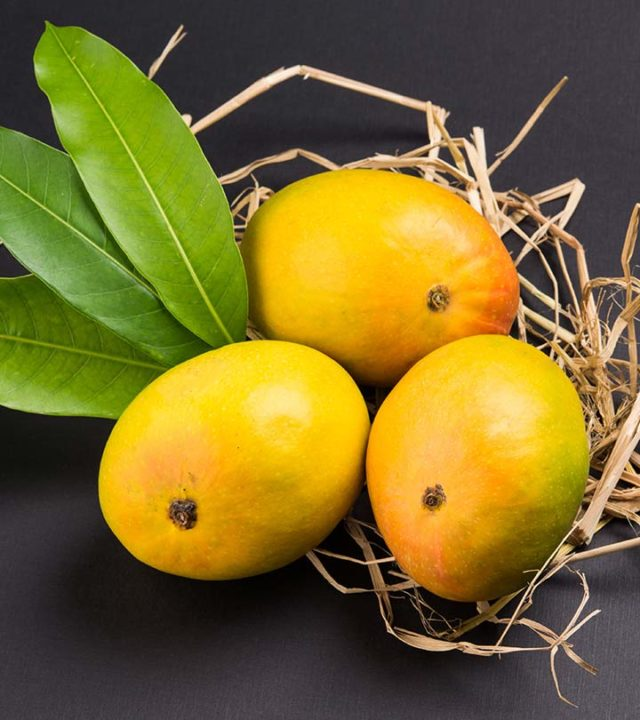 20-Amazing-Benefits-Of-Mangoes-For-Skin-Hair-And-Health-2-640x720.jpg